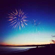 The 7 Essential Components Of A Fab 4th Of July Party | The Zoe Report