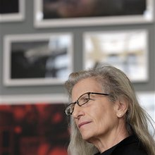 Leibovitz's exhibit photos both iconic, personal