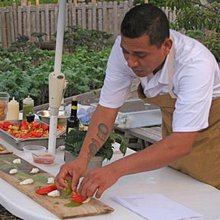 Guildhall executive chef uses Community Garden produce during cooking demonstration