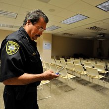 Vegas constable re-writes campaign finance reports