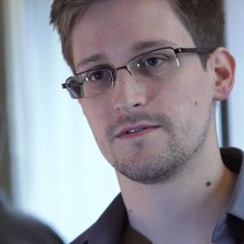 Former NSA chief compares Snowden to terrorists