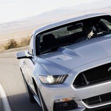 Barrett-Jackson to Auction Off First New Mustang - V8 Passion