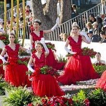 Rose Parade turns 125, celebrates pop culture, Americana and same-sex wedding