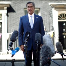 Mitt Romney's London Gaffes Unite Divided Britons-Against Him