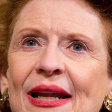Crowded GOP race helps Stabenow's prospects