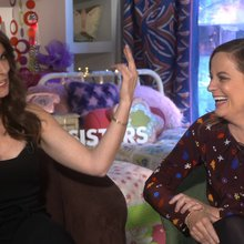 Watch: Amy Poehler, Tina Fey & 'Sisters' cast rock at improv