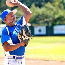 Manhattan Beach senior softball league keeps bodies and minds moving