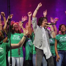 Juke box heroes: Seacrest high school choir earns chance to sing with Foreigner