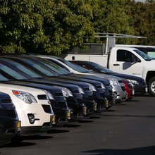 Car Buyers Crowded Showrooms in May, Unfazed by Surge in Recalls