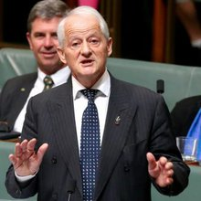 Plans for Philip Ruddock to return to politics as mayor of Hornsby