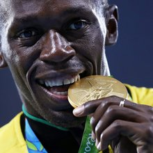 Bolt loses 2008 relay gold after Carter's positive test