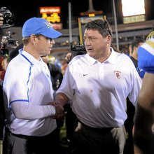 With Steve Sarkisian coming to USC, will UCLA's Jim Mora jump to the 'head of the line' for Huski...
