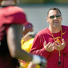 USC's Sarkisian to enter treatment; mixed alcohol with medicine