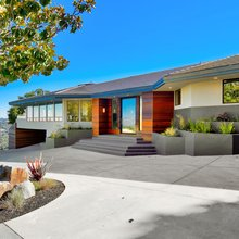 Modern Design Brings Sex Appeal to East Bay Real Estate