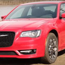 Video Review: 2017 Chrysler 300