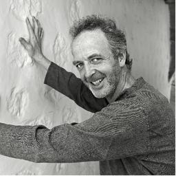 Hugo Dixon on Muck Rack