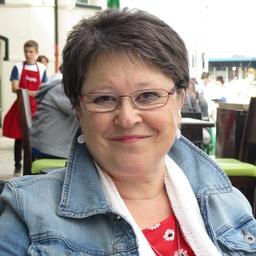 Lorraine Wylie on Muck Rack