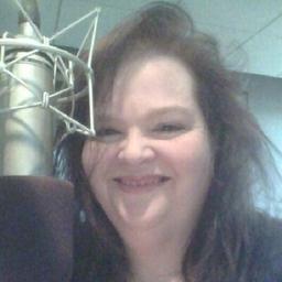 Lynn Kelly on Muck Rack