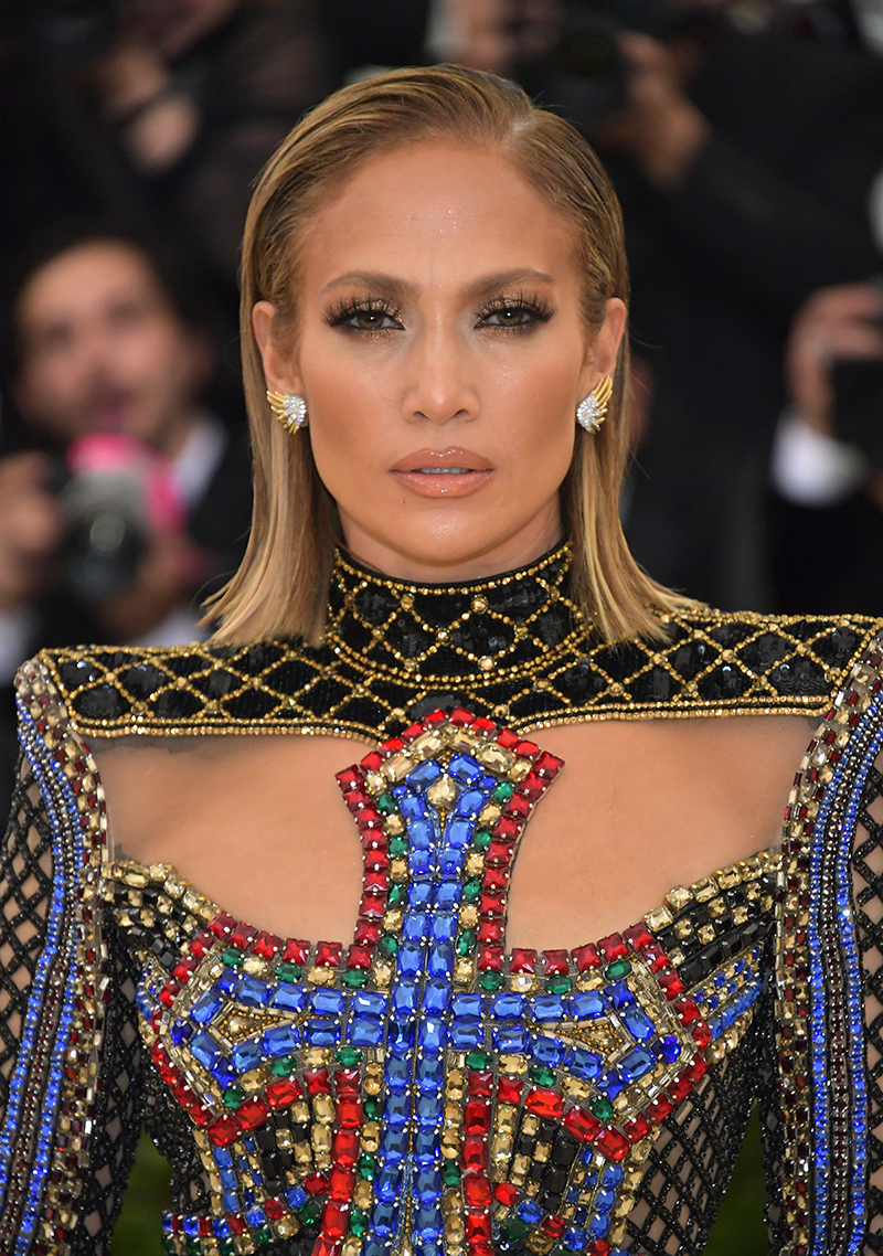 jennifer lopez gets short haircut for met gala 2018 - celebrity