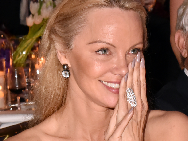 Pamela Anderson Makeunder Celebrity Makeup Dailybeauty The