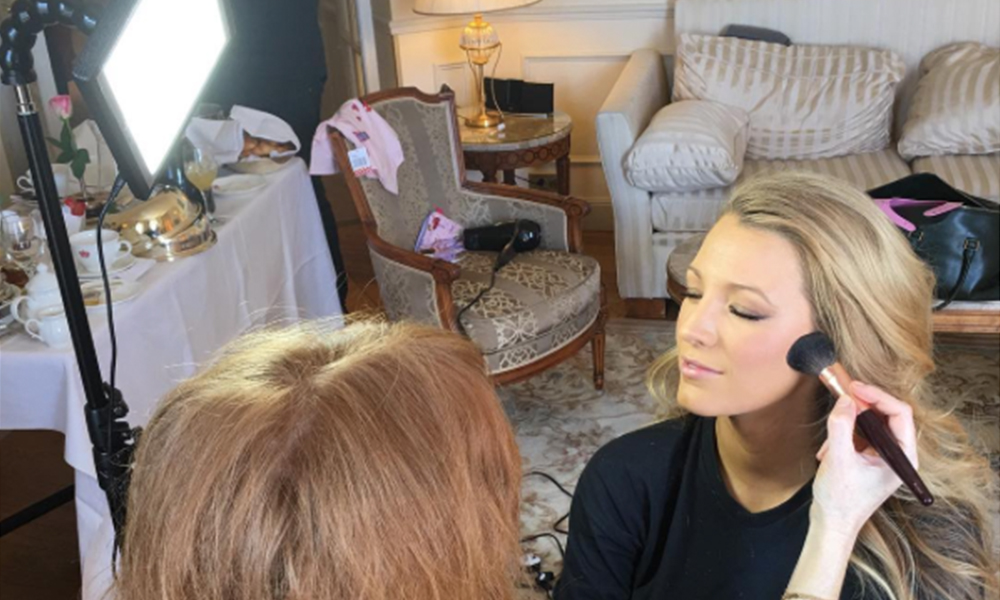 Blake Lively Uses The Makeup Light   Celebrity   Makeup   DailyBeauty   The  Beauty Authority   NewBeauty