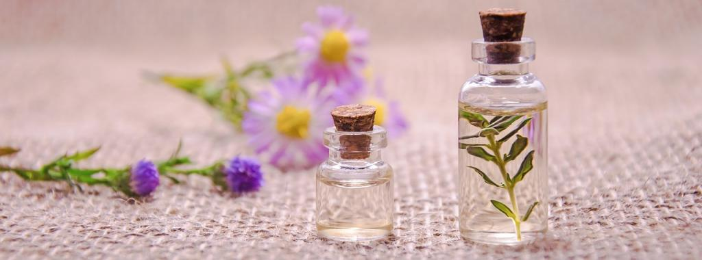 essential-oils-3084952_1280