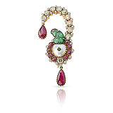 A MUGHAL INSPIRED DIAMOND, RUBY AND EMERALD BROOCH -    - Fine Jewels and Objets d'Art