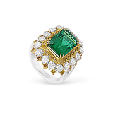 AN EMERALD, DIAMOND AND COLOURED DIAMOND RING -    - Fine Jewels and Objets d'Art