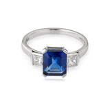 A SAPPHIRE AND DIAMOND RING -    - Autumn Auction of Fine Jewels and Silver