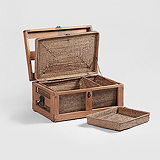 A PICNIC BASKET -    - Travel and Leisure Auction