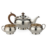 A SILVER TEA SET, S. W. SMITH & CO. -    - 24-Hour Online Auction: Elegant Design