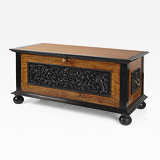 A SUPERB SATINWOOD AND EBONY CHEST -    - 24-Hour Online Auction: Elegant Design