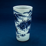 BLUE AND WHITE PORCELAIN VASE -    - Asian Art