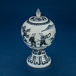 BLUE AND WHITE GLOBULAR PORCELAIN JAR WITH COVER ON FLARED FOOT - Asian Art
