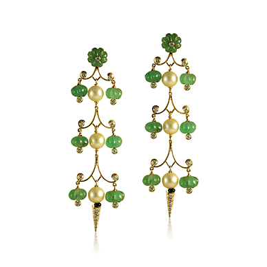 A PAIR OF EMERALD AND PEARL CHANDELIER EARRINGS