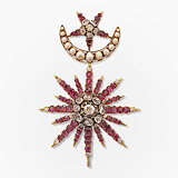 -AN EXCEPTIONAL RUBY AND DIAMOND BROOCH