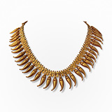 -A GOLD 'JASMINE BUD' NECKLACE