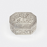 -SILVER BOX WITH FLORAL MOTIFS