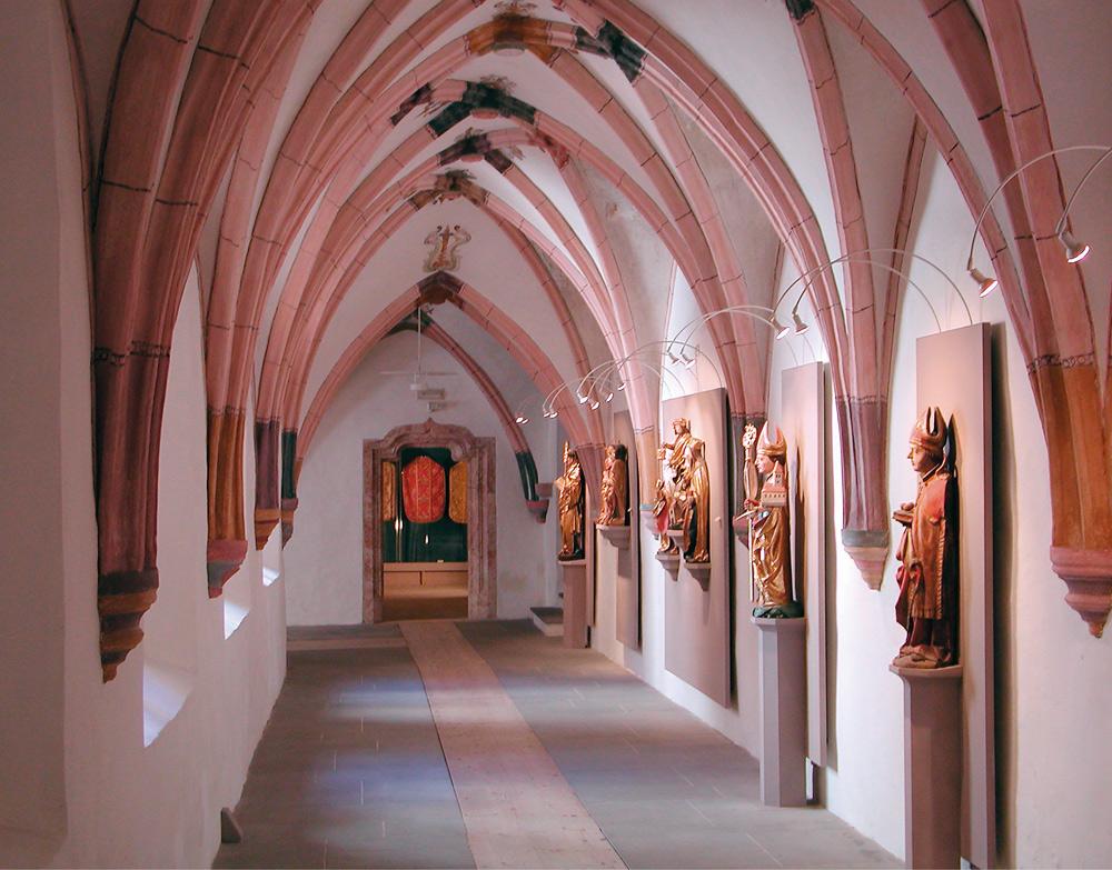 Kreuzgang im Augustinermuseum Rattenberg