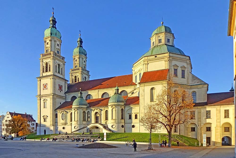 Südfassade der St. Lorenz-Basilika in Kempten