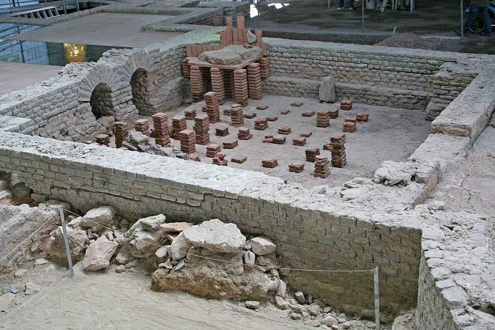 Ausgrabung im Archäologischen Park Cambodunum in Kempten
