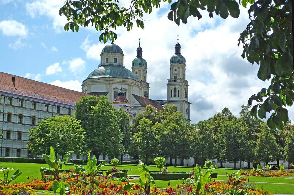 Blick auf Fürstäbtliche Residenz Kempten und den Hofgarten