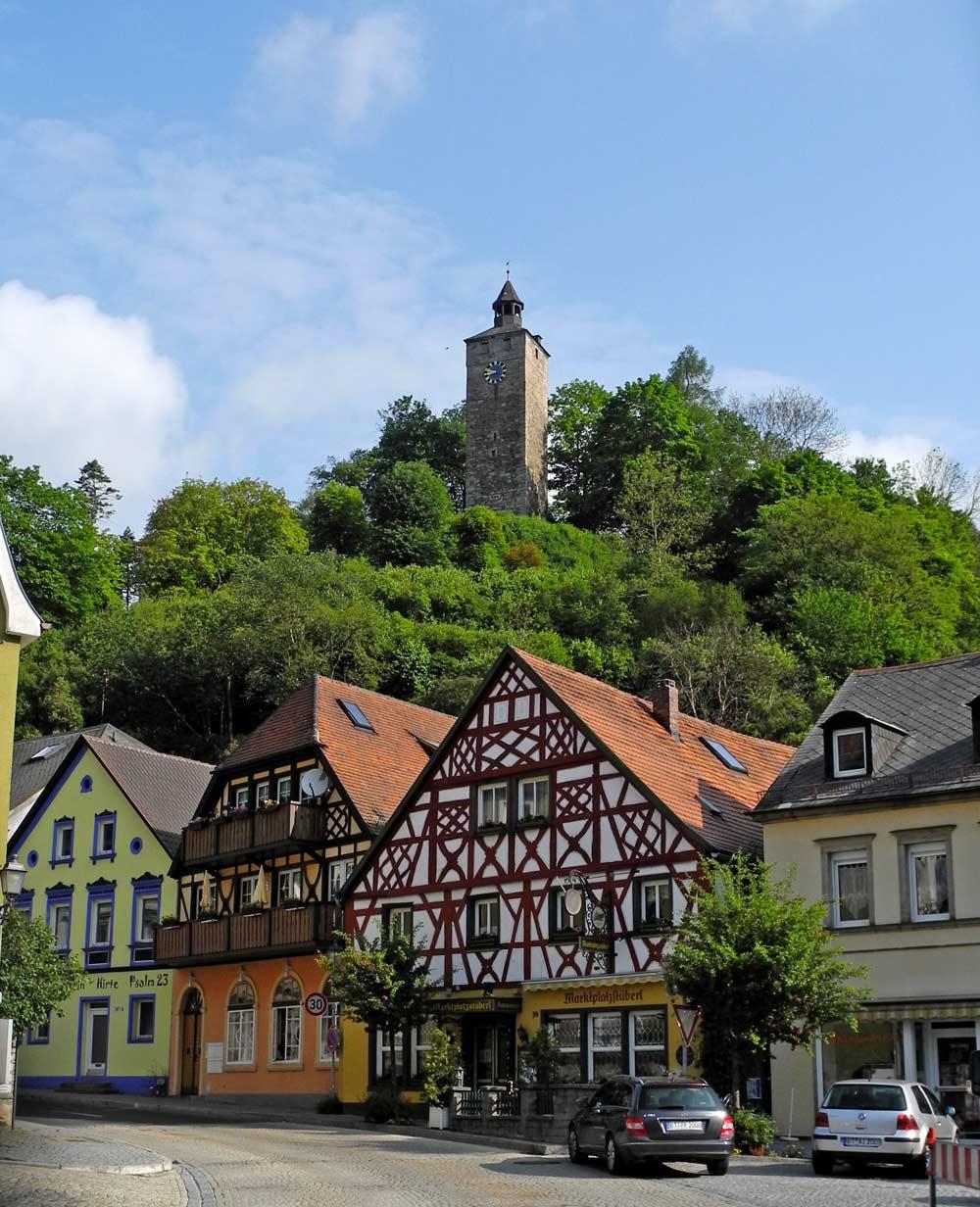Bad Berneck mit dem Burgturm des Alten Schlosses