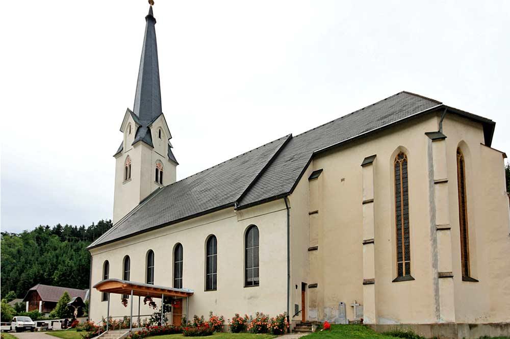 Blick auf die Pfarrkirche St. Michael ob Bleiburg in Feistritz ob Bleiburg