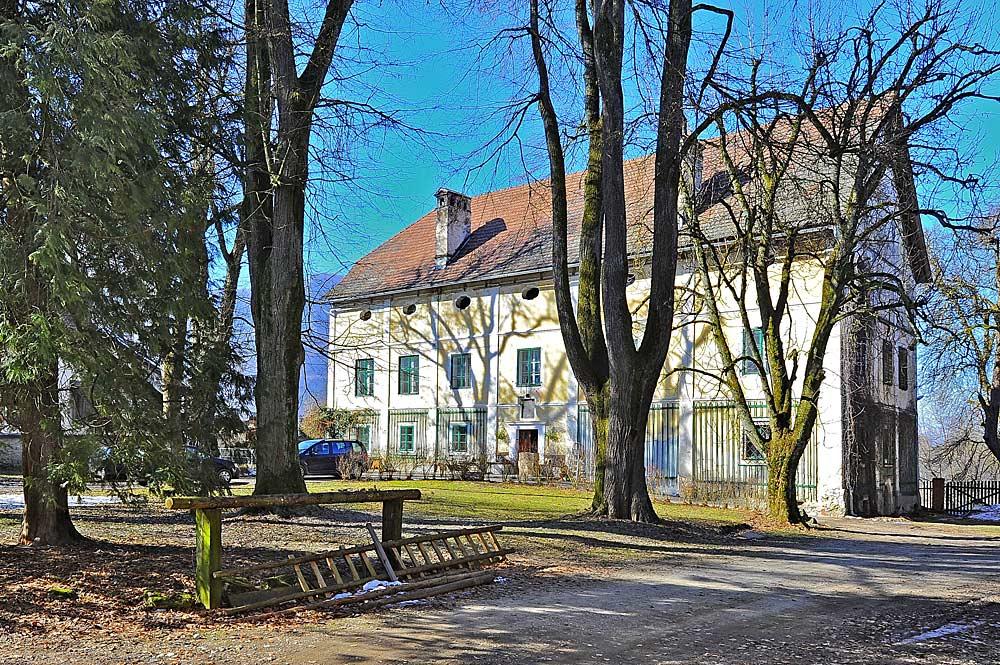 Blick auf Schloss Möchling in Gallizien