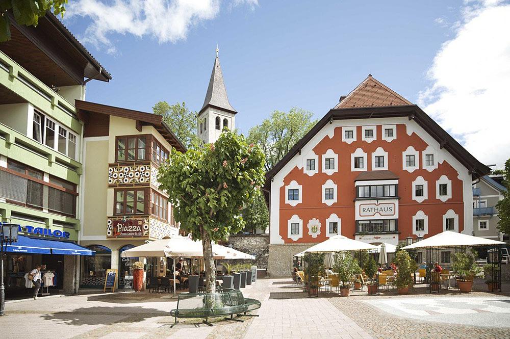 Blick auf das Rathaus von Saalfelden