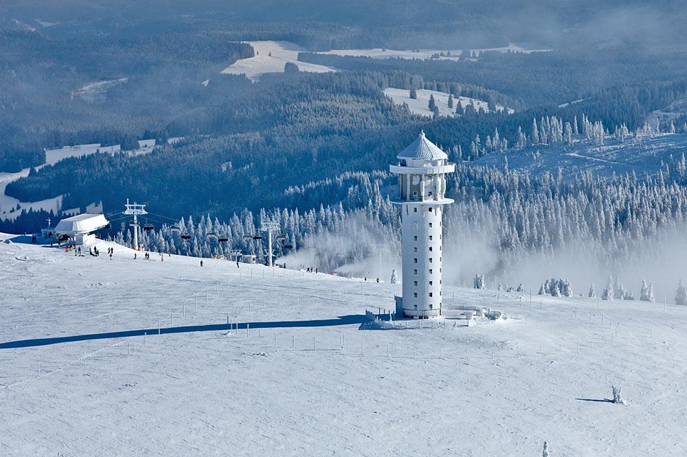 Luftaufnahme des Feldbergturms