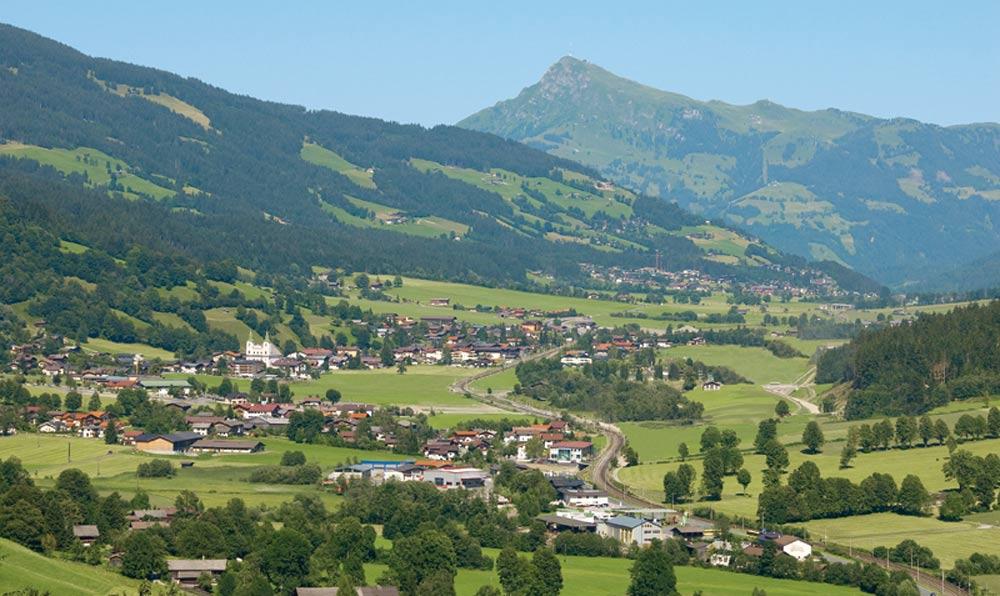 Blick auf Brixen im Thale im Brixental