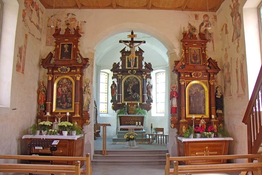 Innenansicht der Kapelle St. Leonhard in Sulzberg