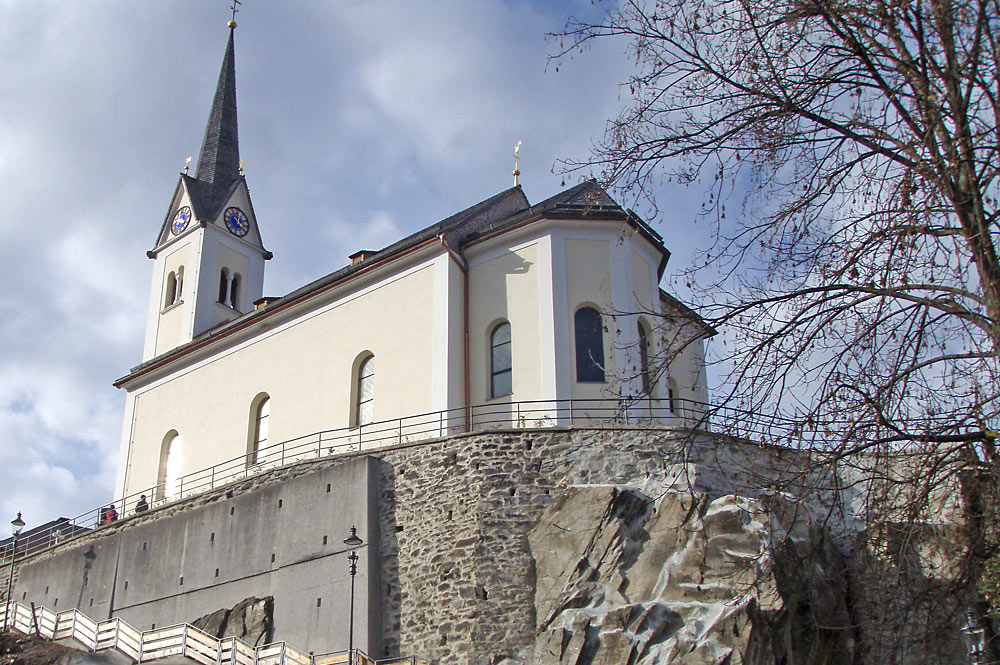 Außenansicht der Pfarrkirche St. Margaretha in Kaprun